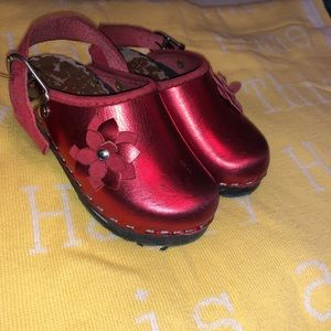 Other - Little girl Clogs